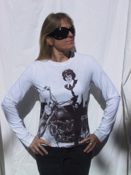 Neighbor Holly displaying t-shirt sold on the Han Motogear website