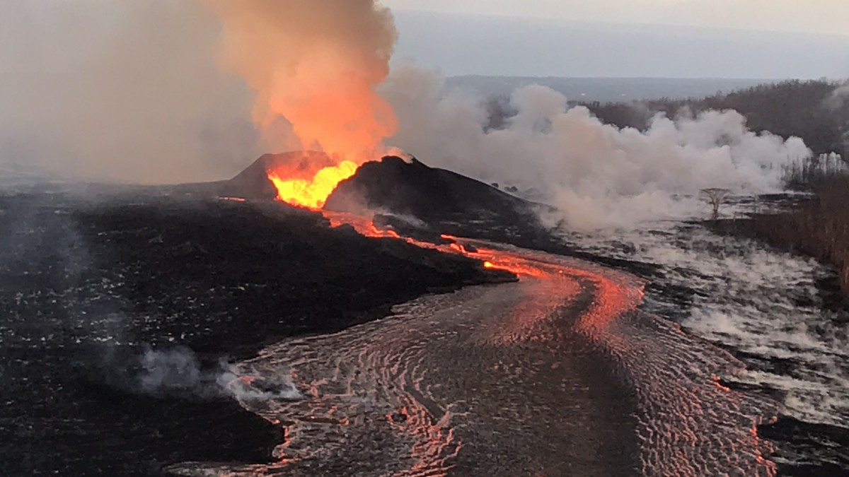 June 27 fissure 8 cone supplies lava to the ocean overflows