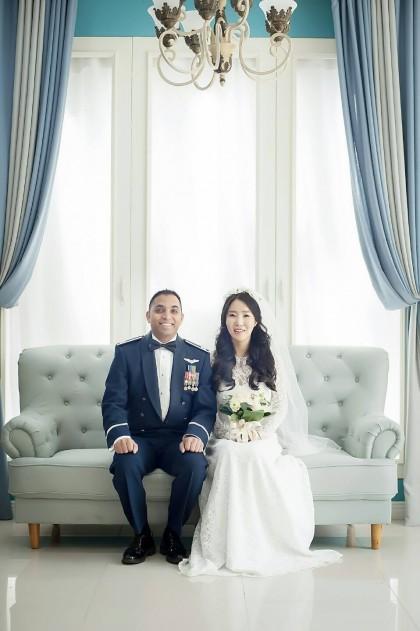 Joe and Seoah wedding pic