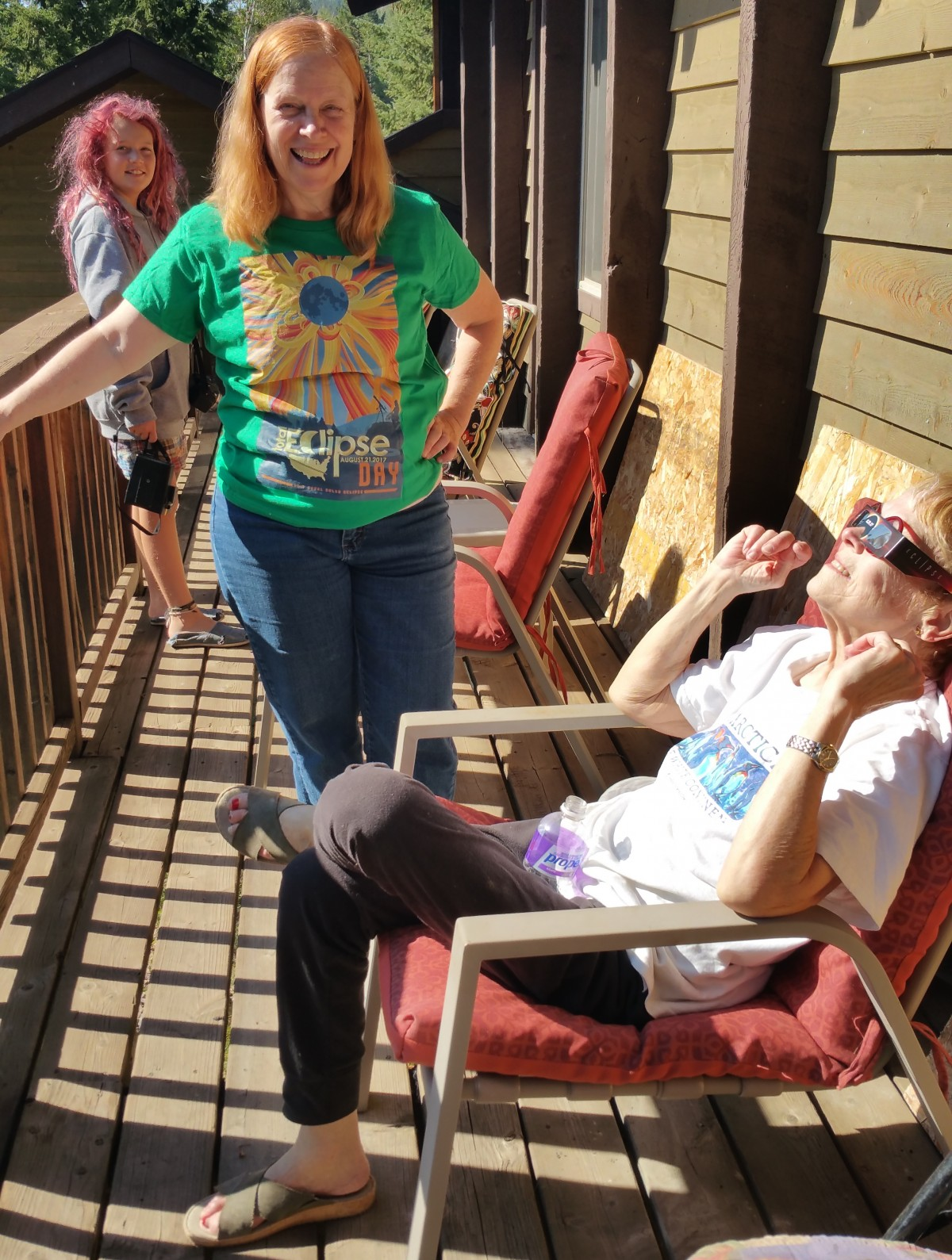 Kate, BJ, Ruth, solar eclipse 2017 at BJs Idaho house